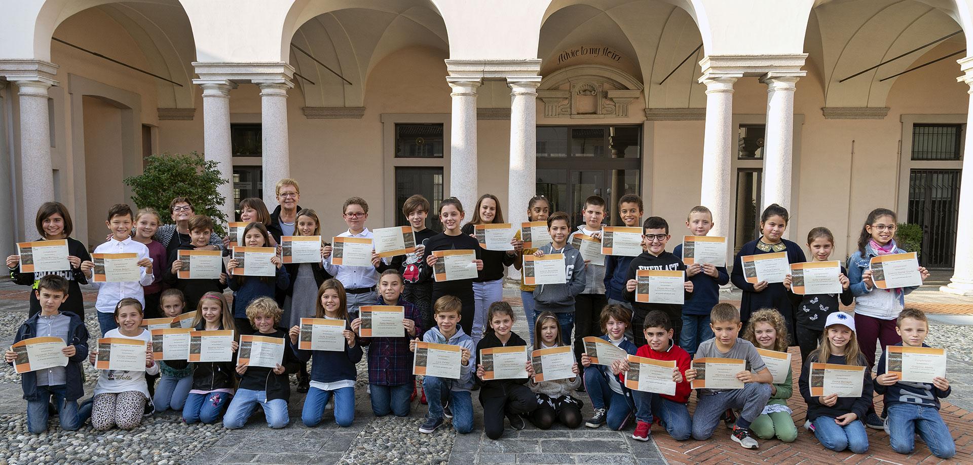 gruppo finalisti concorso letterario Centro Culturale Gaudì Giussano